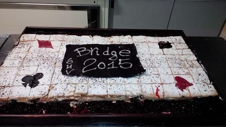 A cake to bridge players