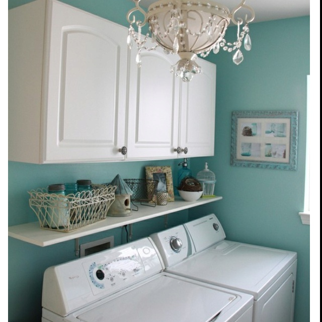 Cute laundry room! Organize me Pinterest