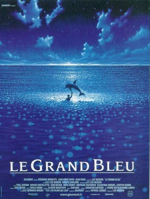 Le Grand Bleu (1988), réalisé par Luc Besson ; musique : Eric Serra ; avec Jean-Marc Barr, Rosana Arquette et Jean Reno