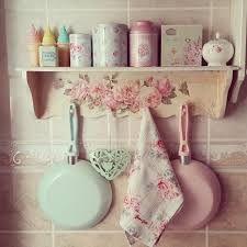 Resultado de imagem para armario de cozinha vintage