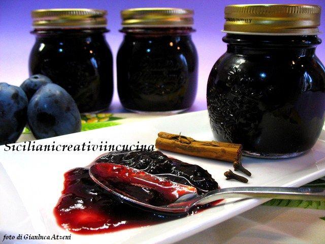 Marmellata di prugne alle spezie
