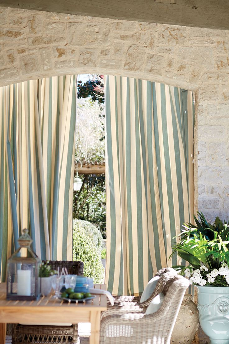Striped outdoor curtains - 7 Ways To Decorate Outdoor Spaces With Stripes