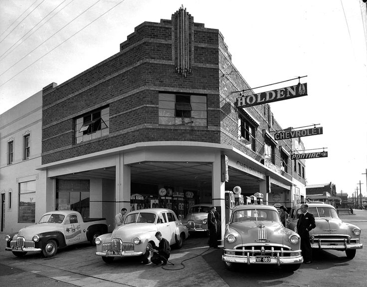 CV Holland, car Service Station (Rockdale?) shows Holden, Pontiac and Chevrolet cars. Max Dupain photo, c 1950.