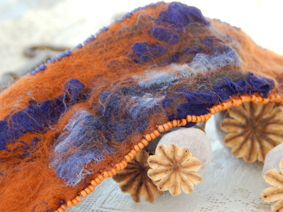 Bracelet: purple and orange nuno felted di DunroaminFarmDesign