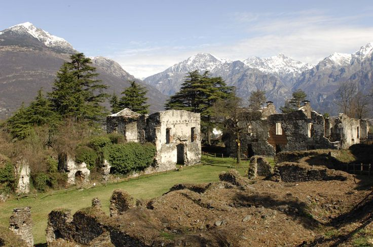 World Wars Tour: 3 Days at Como Lake A suggestive tour to discover the sites of the events that shoked the Century XXIX. Here Forte di Fuentes #WW2 #WWII