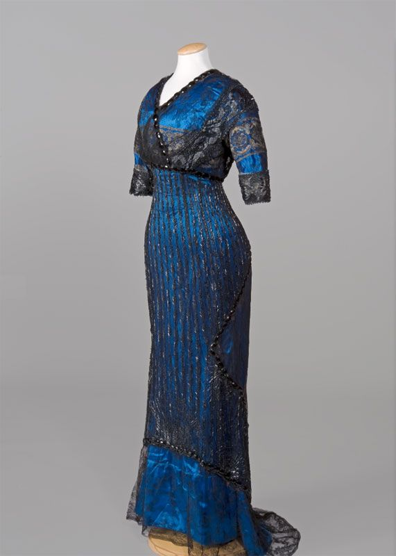 Evening dress, 1910's  From the Pitti Palace Costume Gallery  - See more at: http://fripperiesandfobs.tumblr.com/post/59792275715/evening-dress-1910s-from-the-pitti-palace#sthash.aLdpPyS0.dpuf