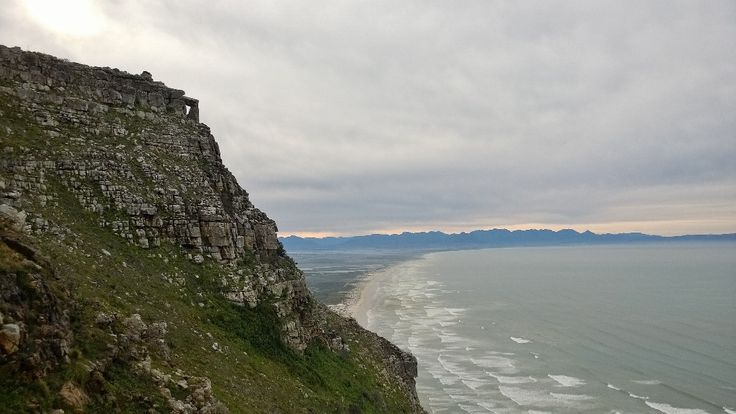 Muizenberg Mountain walk above Boyes Drive to the 'Stonehenge' rock formation. Cape Town.