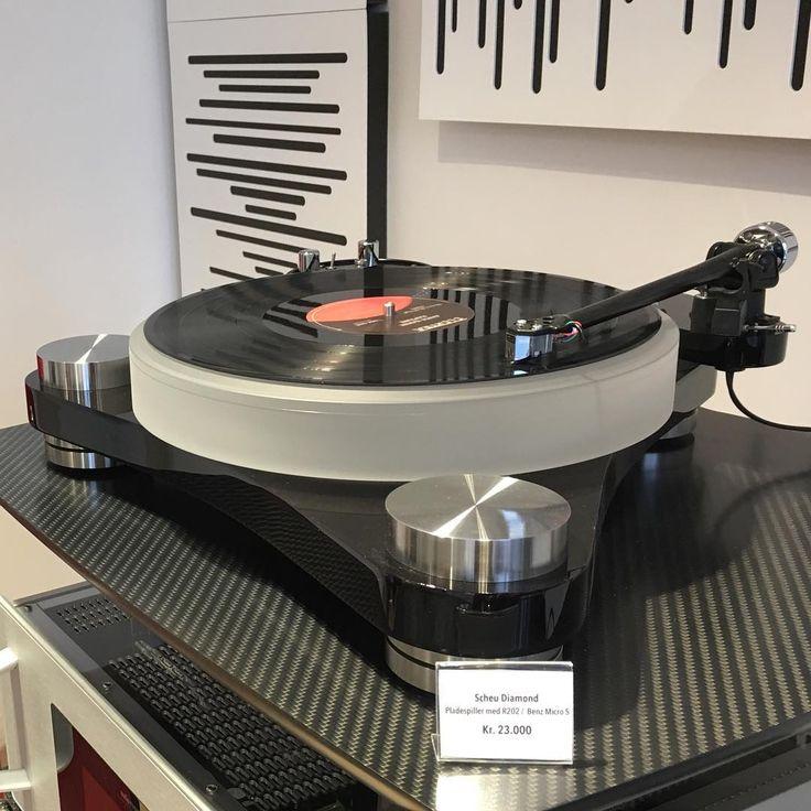 Turn the vinyl with this bargain priced Scheu #scheuanalog