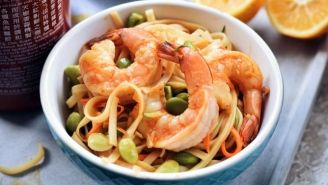 Sauté crevettes et edamames avec sauce piquante