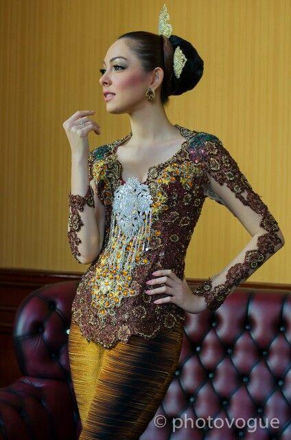 gorgeous Kebaya
