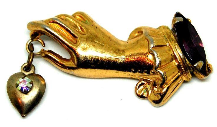 Брошь в викторианском стиле Сердце в руке, тон золота, кристаллы, Coro?