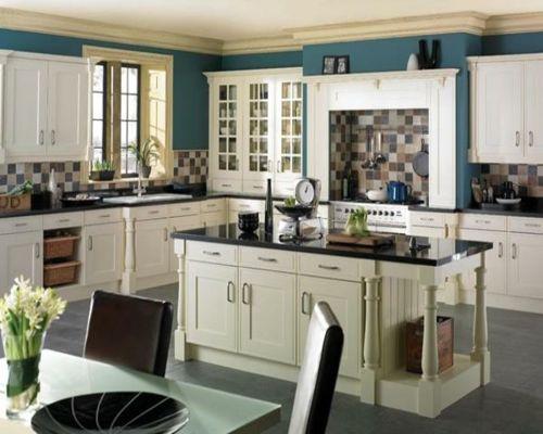 100 Küchen Designs – Möbel, Arbeitsplatten und zahlreiche Einrichtungslösungen - küchenarbeitsplatten blau wand bemalt stühle tisch blumenvase