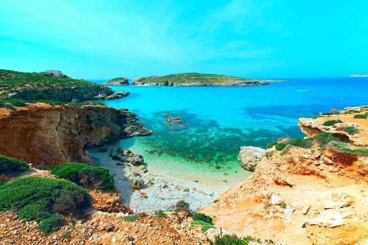 Ben je nog op zoek naar een vakantiebestemming voor deze zomer? Heb je behoefte aan een beetje rust, lekker eten, een mooie natuur en kleine, mooie, witte dorpjes? Dan weten wij waar je heen moet: Gozo! Je hebt er misschien nog nooit van gehoord, maar Gozo wordt ook wel het 'kleine zusje&rsquo