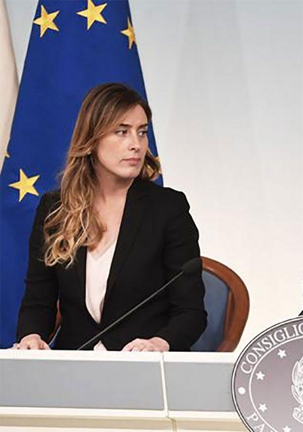 Il Segno delle Donne: Maria Elena Boschi con le Pari opportunità deve da...