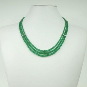Collana Corta di Smeraldi, Brillanti e Oro Bianco 18k