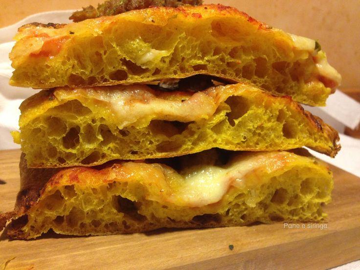 L'idea di questa pizza è nata al Sigep lo scorso 22 gennaio. Un bravissimo pizzaiolo la preparava presso uno stand di farine. Naturalmente ...