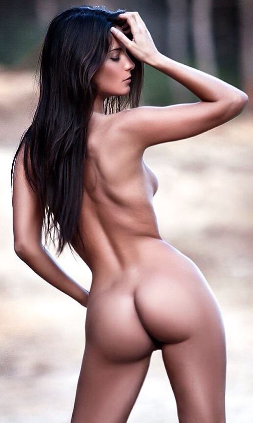 Stunning nude hotties