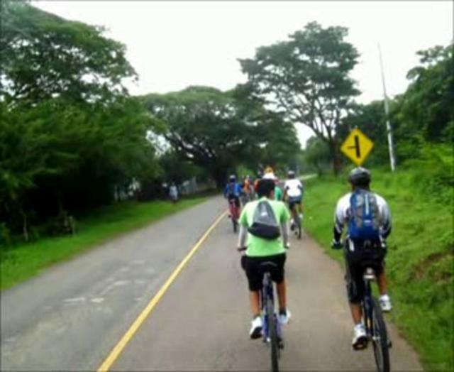 El Salvador - Recorrido en bicicleta a Suchitoto con Ciclistas Urbanos - Desde Ingenio San Francisco a Suchitoto - Los Tercios - Embalse del Cerron Grande - 24 junio 2012 por @JsRolando / suchitoto.tours @gmail.com