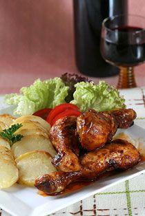 """SMĚS KOŘENÍ """"GRILOVACÍ"""" Směs mletého koření určená pro grilování, pečení a smažení kuřat a ostatních druhů mas. Je složena ze sladké papriky, chilli, ..."""