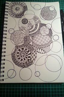 Judy's Zentangle Creations: Circles Ausproboeren: ein Blatt mit überlappenden Kreisen vormalen und dann mit verschiedenen Mustern ausfüllen