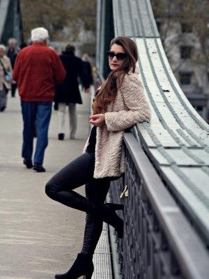 Tourquesa Outfit Invierno 2011. Combinar Abrigo Blanco Blanco Leggings Negros Promod Botines ...
