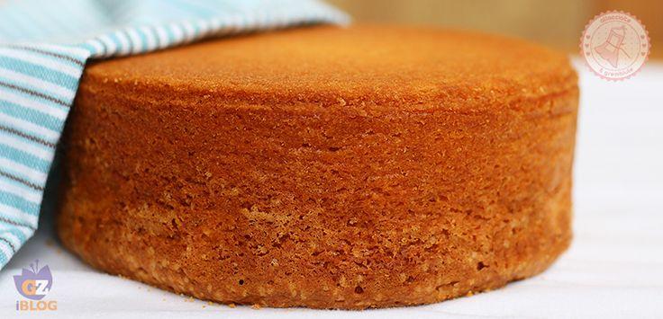 Il pan di spagna perfetto e infallibile. Facilissimo da preparare, senza burro ma con il lievito. Impossibile da sbagliare.