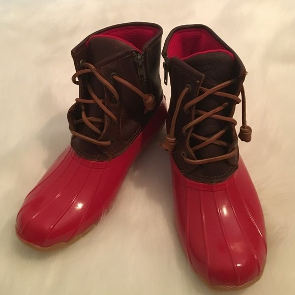Sperry Saltwater Duck Boots Brand New in box color: Tan Red no holds no trades PRICE FIRM leather upper rubber bottom Sperry Top-Sider Shoes Winter & Rain Boots