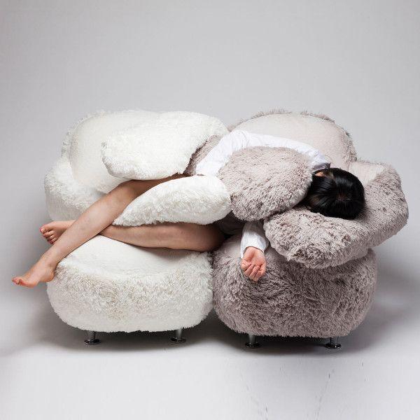 Free Hug Sofa by Eun Kyoung Lee