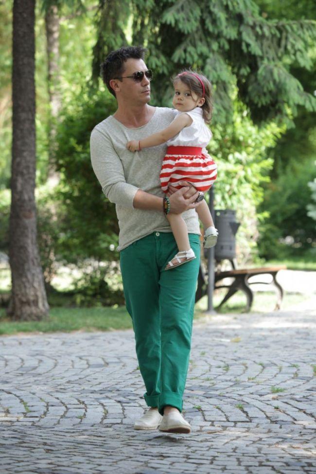 ProTv - Asa tata, asa copil. Uite cat de frumoasa este Diana, fetita lui Razvan Fodor, si cat de mult ii seamana - Stiri