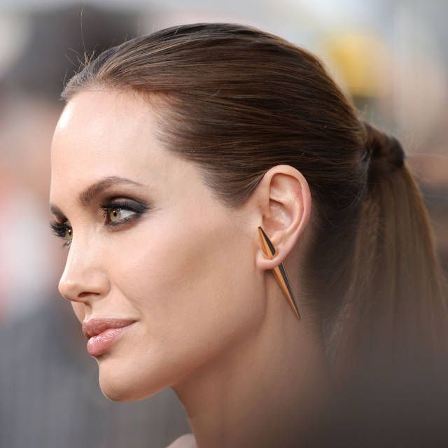 These celebrities show us how wearing a statement earring is done.
