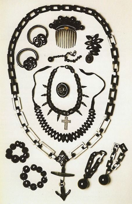 Mourning jewelry, no date given. Note the use of symbols, especially the cross and anchor.