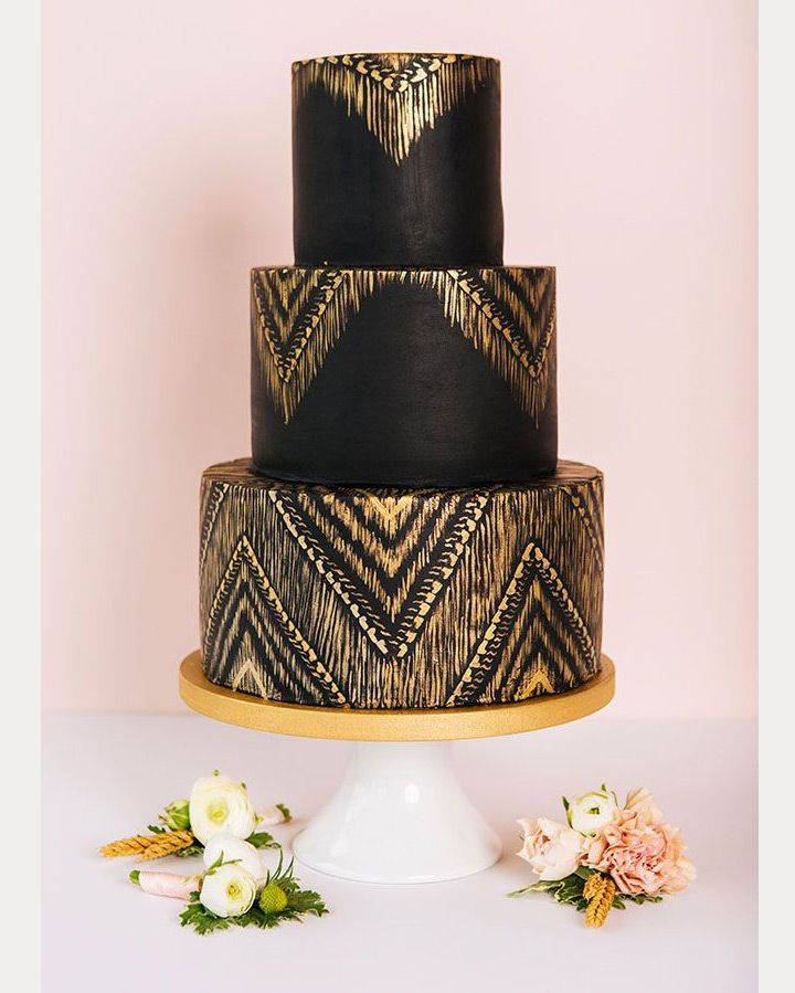 27 Black Iced Wedding Cakes For The Bold Bride - Mon Cheri Bridals
