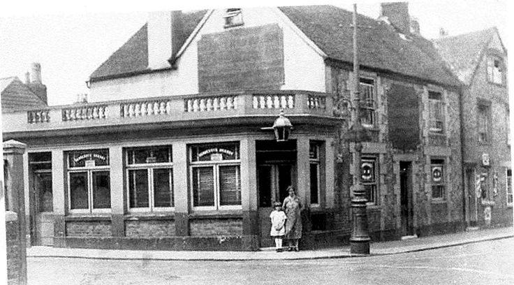 Cranbourne - Newport, Isle of Wight, Hampshire - c1925  - Cool idea to write on windows