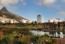 A great website on things to do in Cape Town and how to navigate.  Also has a map of Cape Town.