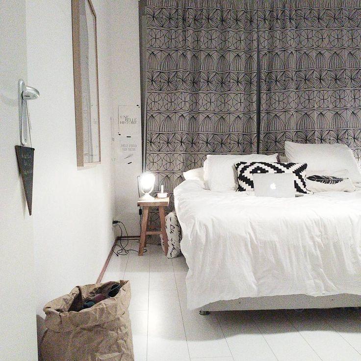 I love the neutral colors en de peaceful, nordic, scandinavian  vibe in our bedroom.