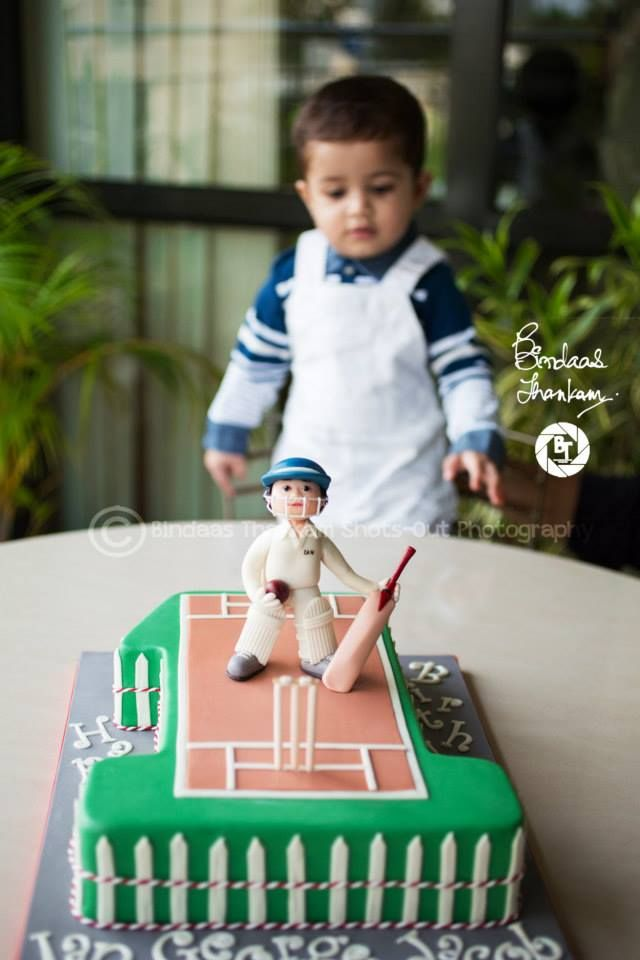 Man of the Match Cake for Ian George Jacob's First Birthday Pitch is set, the greens are trimmed, boundary is ready for the willow to sing. Happy Birthday little cricket fan, here's wishing you a very happy and sporty life taking wickets, slinging sixers and bowling maidens over.. ;)