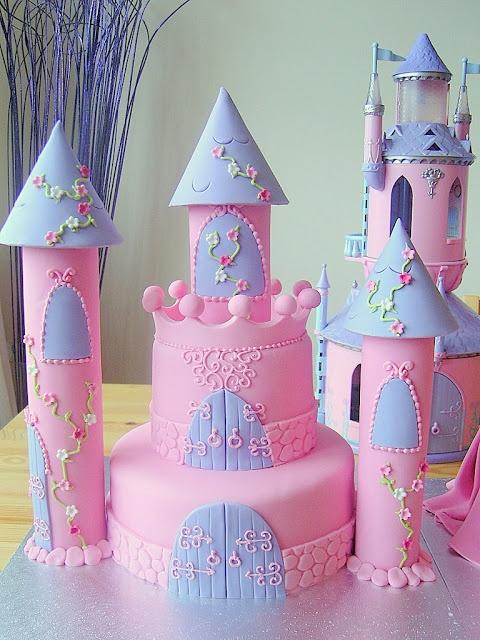 Deborah Hwang Cakes: Castle cakes