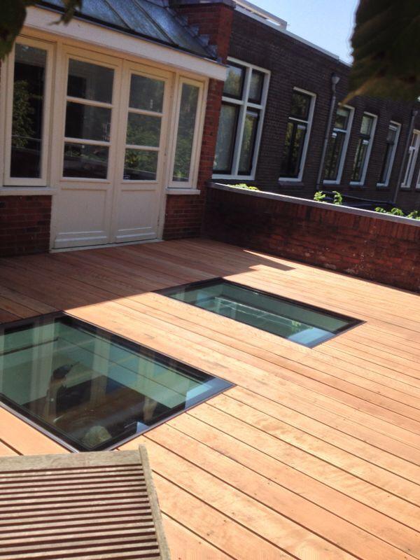 Geïsoleerd beloopbaar glas, vlak geïntegreerd in dakterrasvloer. Door onze Dakterras.nl dealer geplaatst in Groningen.