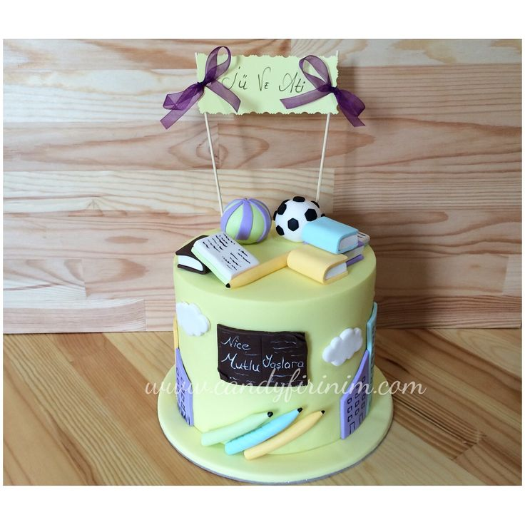 School themed birthday cake  #butikpasta #sekerhamuru #fondantcake #sugarart #candyfirinim #okultemasipasta