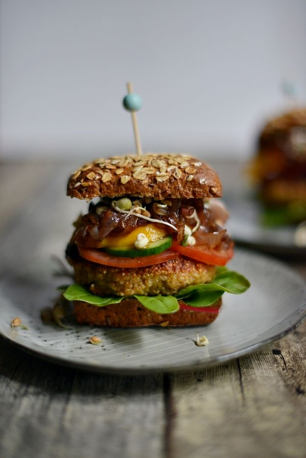 78 besten burger sangwiches bilder auf pinterest burger rezept rezepte und belegte brote. Black Bedroom Furniture Sets. Home Design Ideas