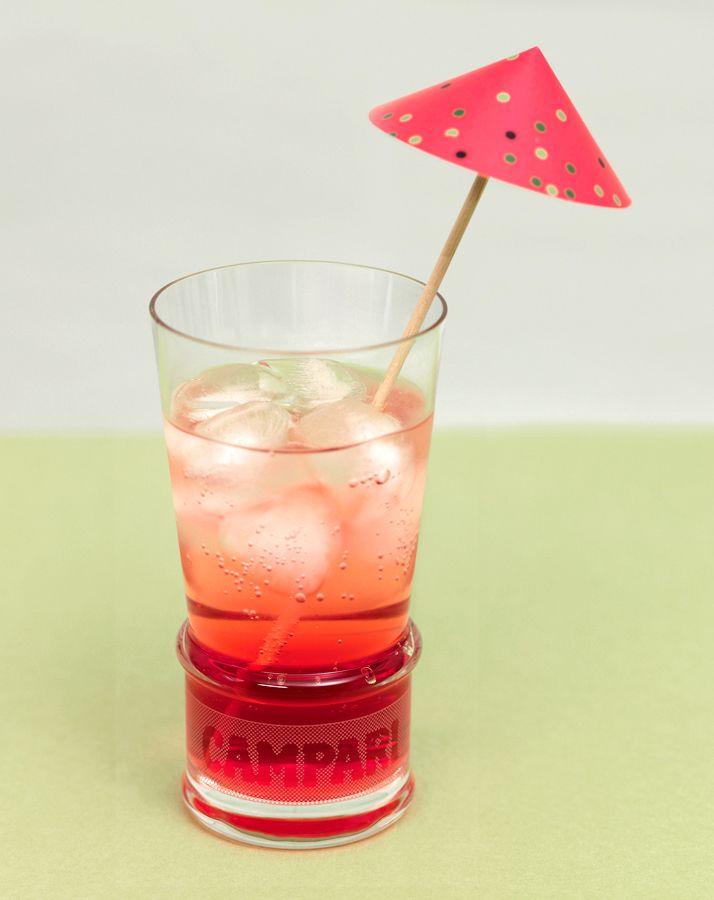 Papierschirmchen - Mit dieser Vorlage können sie sich ganz leicht ihre eigenen Coktail-Schirmchen basteln. Wählen sie das passende Schirmchen zur Farbe des Getränks und Sie haben mit einfachen Mitteln einen tollen Effekt erzielt.