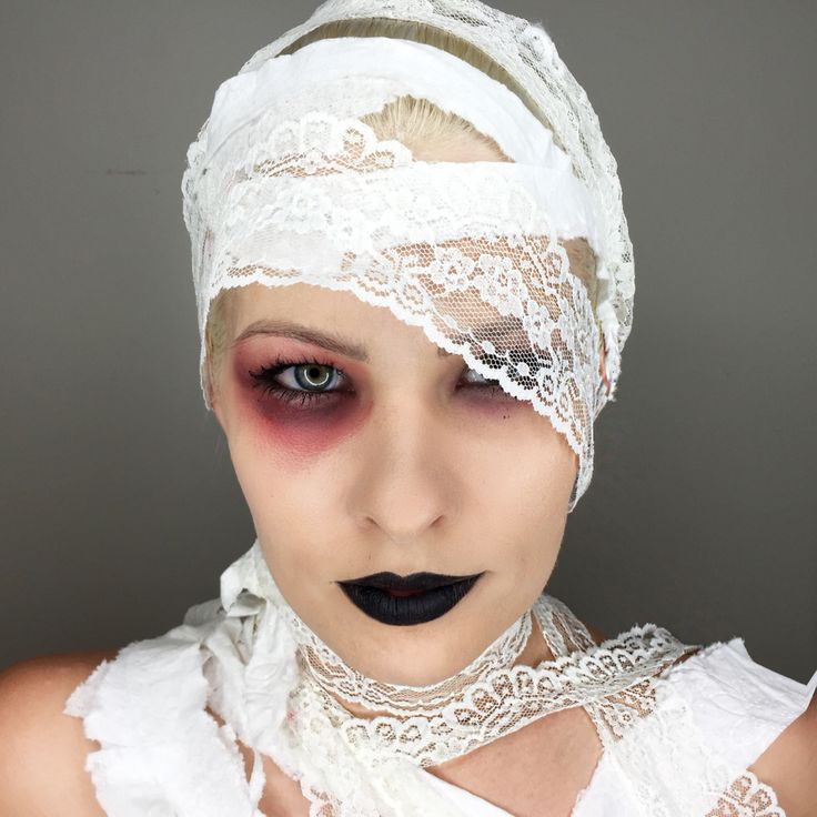 Lace mummy makeup for Halloween. Original costume idea! Easy costume to put together @makeupartist411