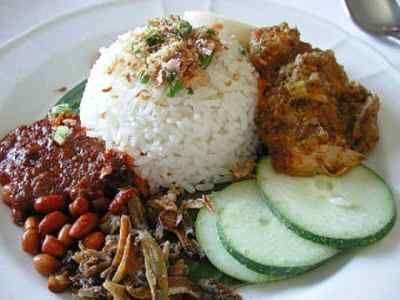 Nasi Uduk - Panduan cara membuat atau masak memasak bumbu sambal masakan resep nasi uduk betawi rice cooker kuning hijau asli kebon kacang paling komplit serta gurih.