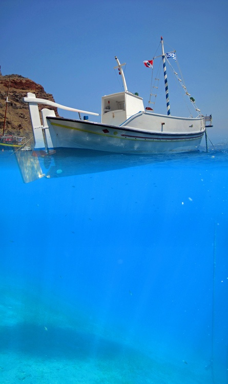 At the port of Thirassia (Santorini)
