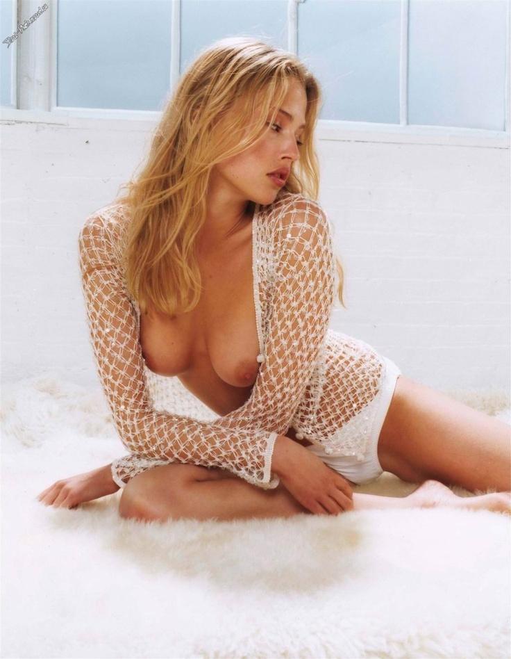 estella-warren-sexy-nude-modelling-photos