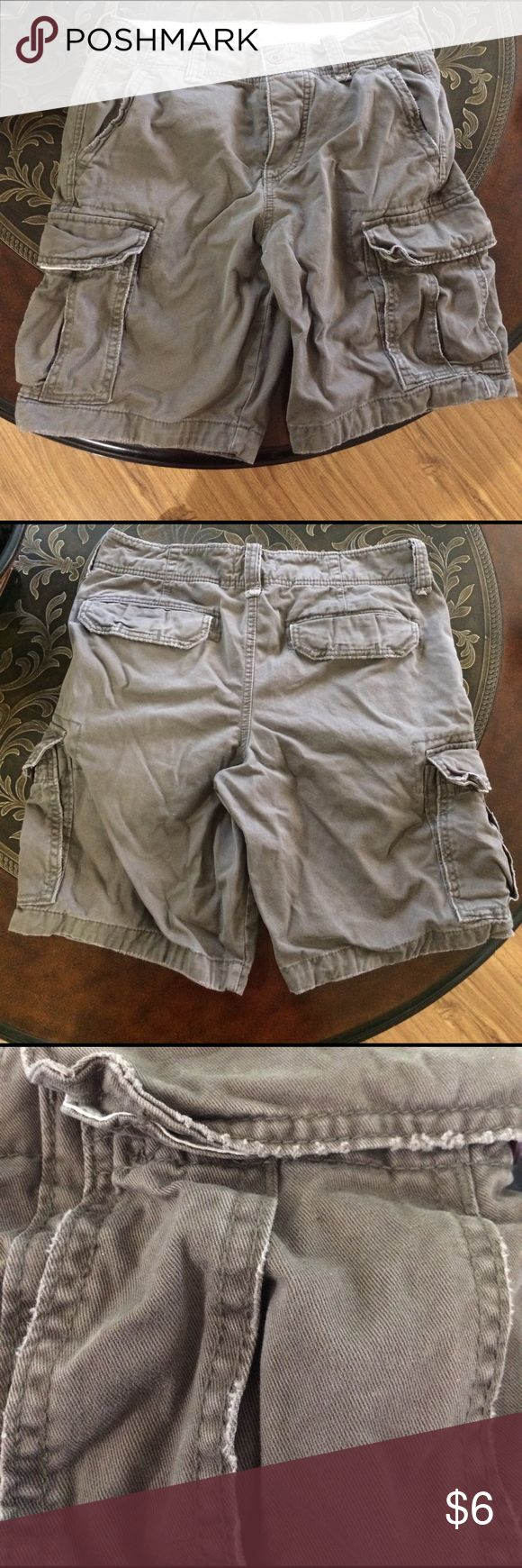 Men's Hollister 31 Waist Cargo Shorts Used Hollister Cargo Shorts. No missing buttons. Destroyed style with slight fraying on edges/ seams as pictured. Hollister Shorts Cargo
