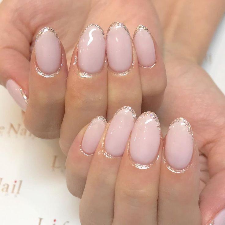 . グリッターラインが煌めき💛✨ . . #nailsbyhacchi #nail #nails #g…