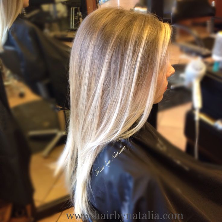 Balayage Sombre for blondes. Sunkissed painted highlights. Balayage in Denver. www.hairbynatalia.com