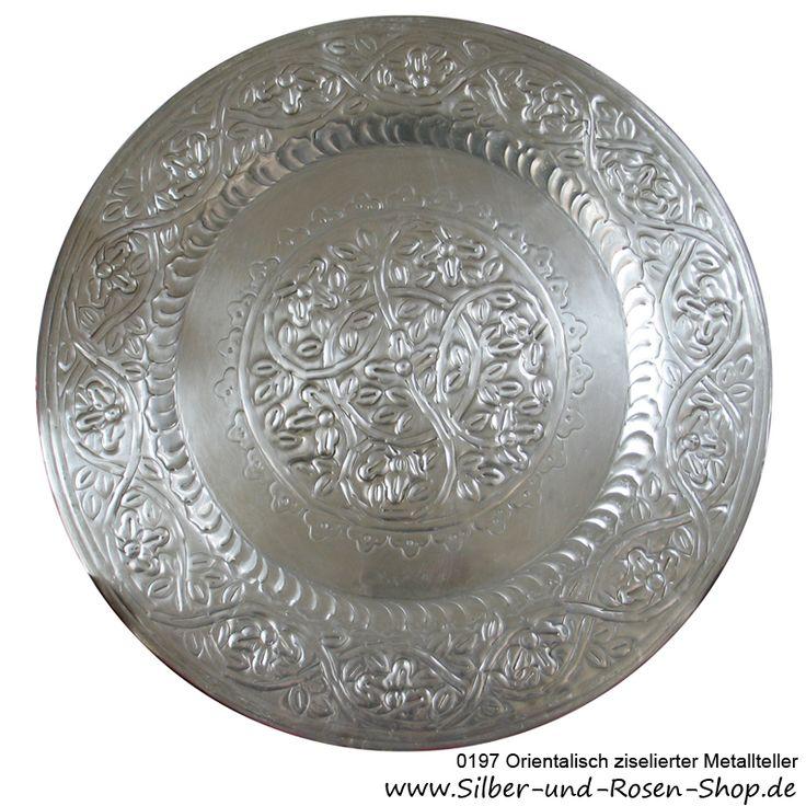 Orientalisch ziselierter Metallteller