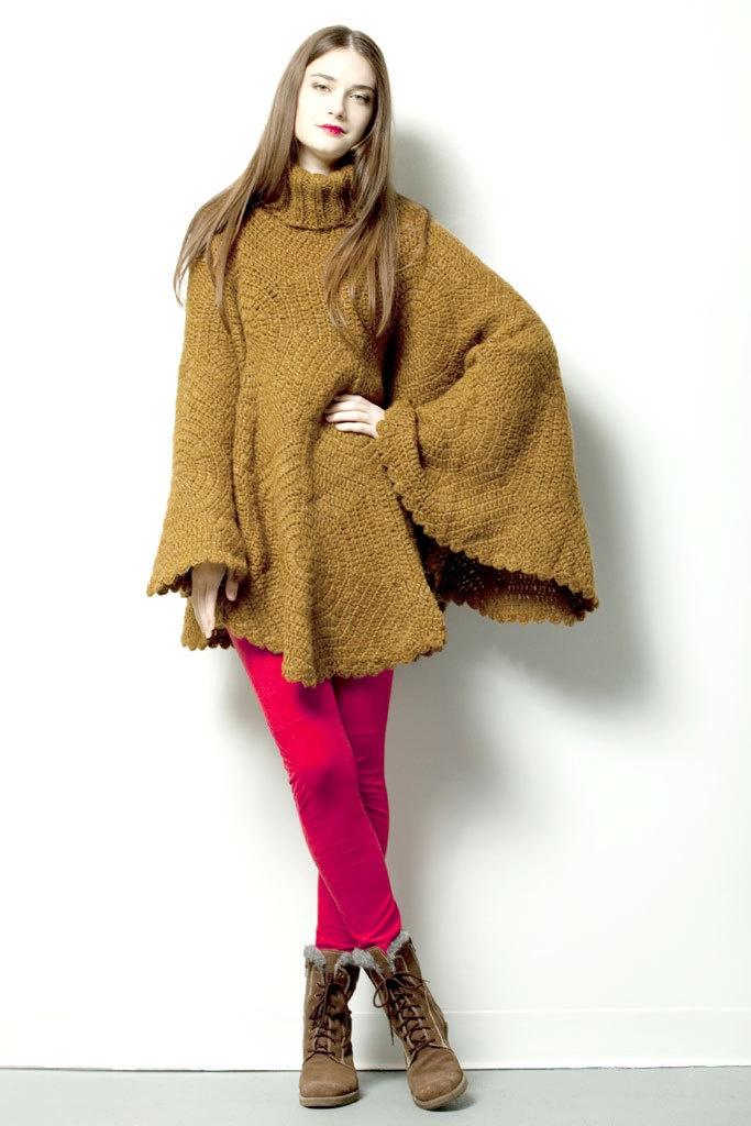GIPSY PONCHO $245.- crochet plain in brown by Espiritu Folk.